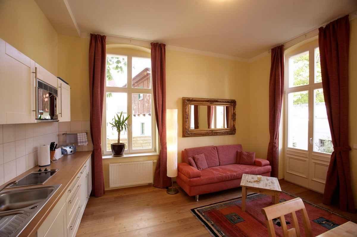 villa frisia und villa frohsinn in bansin auf usedom. Black Bedroom Furniture Sets. Home Design Ideas