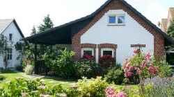Pension: Pension Haus Leuschner - Rügen/Neddesitz