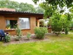 Ferienwohnung: Bungalow Grüne Oase - Rügen/Garz
